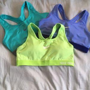 Nike sports bra (green)